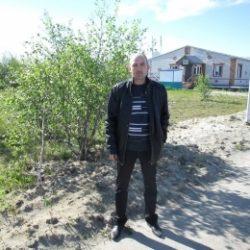Парень ищет секса с девушкой или женщиной в Магнитогорске
